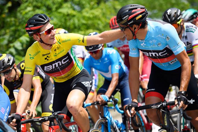 Stefan Kung (l) met Greg van Avermaet.