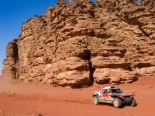 Peterhansel empoche la 4e étape du Dakar, Sainz reste leader