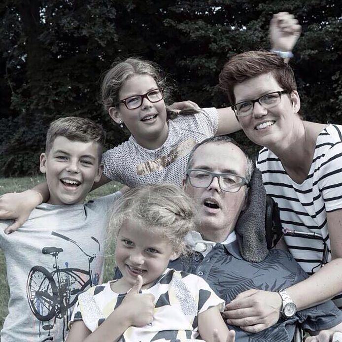 André met zijn vrouw Biep zoon Erik en dochters Gerlin en Anne-Wil.