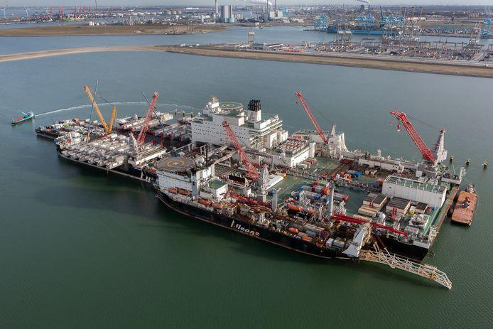 Pioneering Spirit is het grootste werkschip ter wereld.