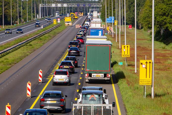 De werkzaamheden op de A1 verplaatsen zich naar de andere rijbaan.