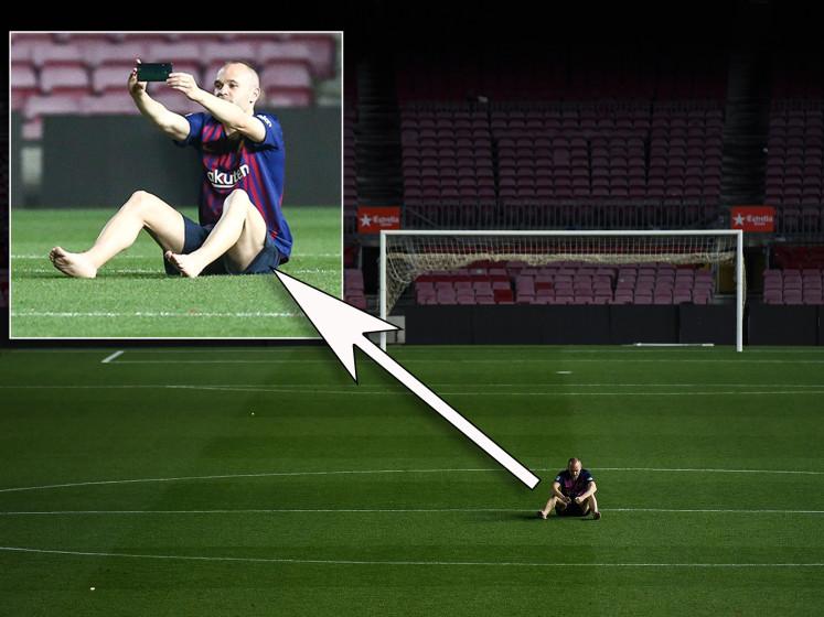 Iniesta blijft tot diep in de nacht zitten na afscheid in Camp Nou