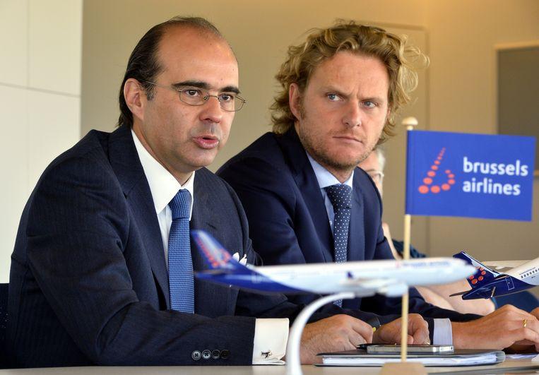 De posities van  Brussels Airlines-CEO Bernard Gustin (links) en financieel directeur Jan De Raeymaeker staan onder druk.  (Foto uit 2014)