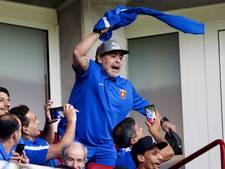 Diego Maradona gaat uit zijn dak in Eindhoven
