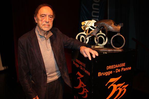 Koksijds kunstenaar Fernand Vanderplancke maakt opnieuw de trofee voor de AG Driedaagse Brugge-De Panne.