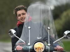 Middelburg: Snorfietser moet helm op en van het fietspad af