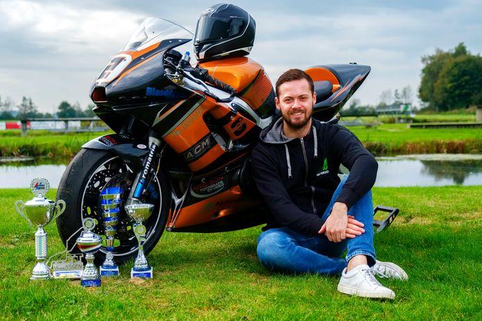 Motorcoureur Michael Bon uit Nieuwkoop won prijzen als motorcrosser, BMX'er en nu ook als wegracer.