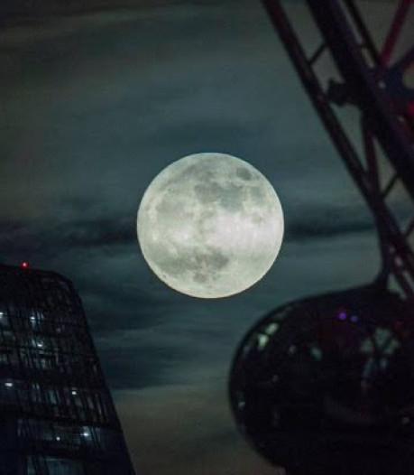 China krijgt extra maan aan de hemel