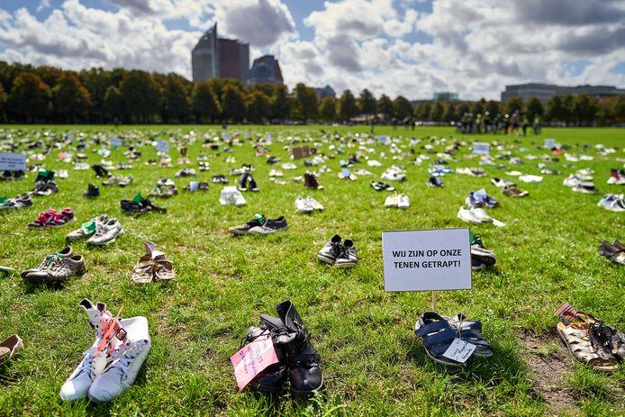 In september demonstreerden zorgmedewerkers met duizenden schoenen op het Malieveld in Den Haag tijdens de Landelijke Actiedag Zorg.