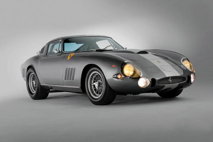 Van deze Ferrari zijn er wereldwijd nog drie over. Het was de eerste Ferrari ooit met onafhankelijke achterwielophanging.