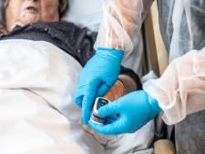 Optimisme verdwenen in Twentse verpleeghuizen: 'Ouderen opnieuw heel ziek'