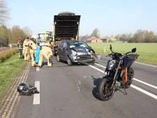 Ongeval op N35 bij Wierden, twee auto's total loss