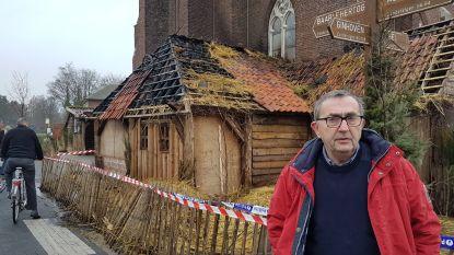 UPDATE: Brand in 'mooiste kerststal van de Kempen' veroorzaakt door vuurpijl, dieren net op tijd gered