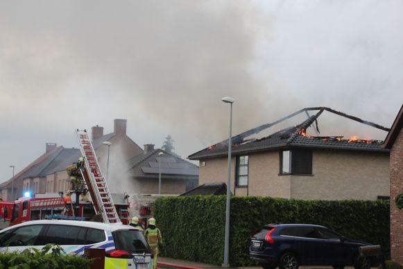 De woning brandde volledig uit.