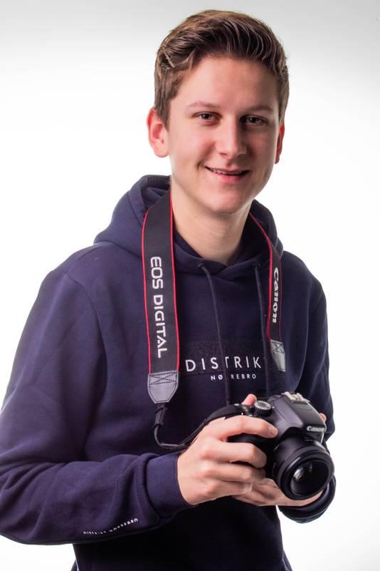Pascal Kerpel (17) uit Puttershoek heeft de Zilveren Camera Junior gewonnen.