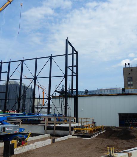Nieuwbouw Theater Blauwe Kei in Veghel komt uit de grond