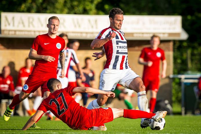 Guus Joppen krijgt tegen Ajax waarschijnlijk een basisplaats