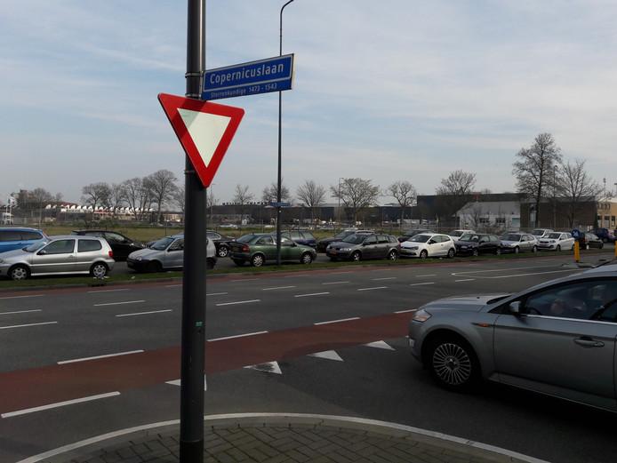 Op T-splitsing Oude Vlijmenseweg-Copernicuslaan botste in maart vorig jaar een automobilist tegen een motorrijder. De automobilist stond deze week terecht bij de politierechter.