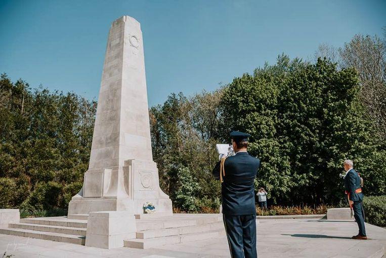 Coronamaatregelen of niet: Burgemeester Sandy Evrard van Mesen toonde op Anzac Day namens de gemeenteraad zijn respect voor de Nieuw-Zeelanders die sneuvelden in WO I.