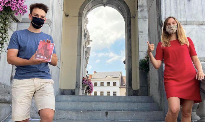 Links: Sander Somers stelde de wandeling samen. Rechts: Schepen voor toerisme Tine Paredis.