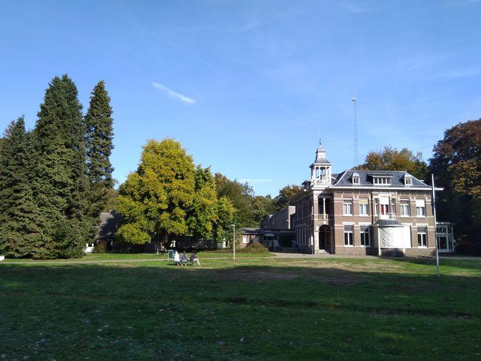 Het asielzoekerscentrum aan de Wageningse Keijenbergseweg op archiefbeeld.
