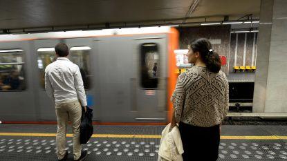 Vijftal personen onwel in Brusselse metro, oorzaak onbekend