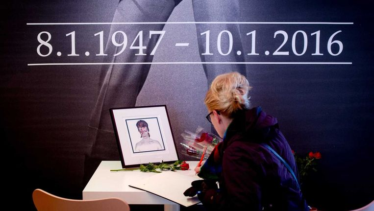 Condoleanceregister in het Groninger Museum. Beeld anp