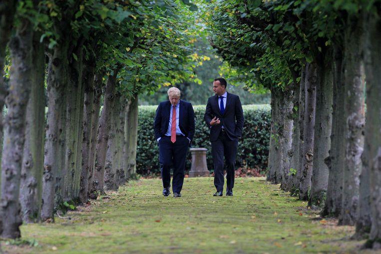 Boris Johnson sprak gisteren drie uur lang met de Ierse premier en zou daarbij belangrijke openingen hebben gedaan.