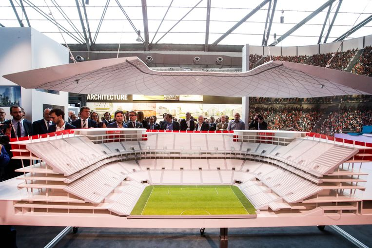 Een maquette van het Eurostadion