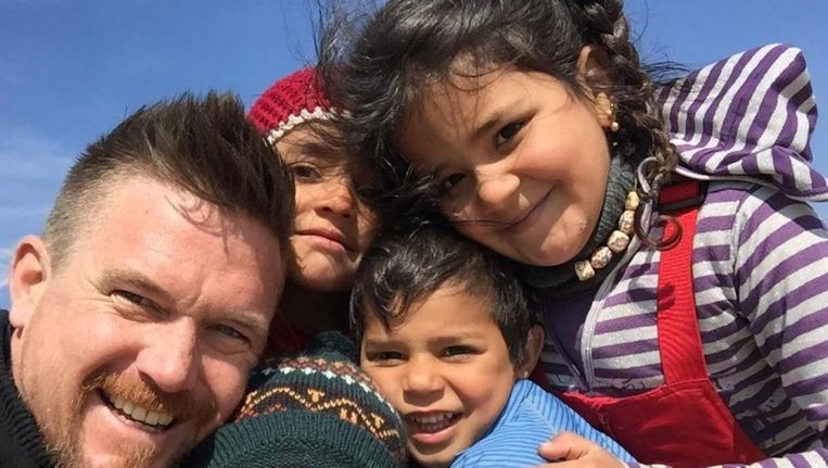 Johnny de Mol helpt op Lesbos actief mee. 'Hier zijn vluchtelingen geen slachtoffers, maar menselijk kapitaal' Beeld
