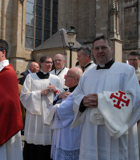 Fraaie rituelen sieren ceremonie Ridderorde in Den Bosch