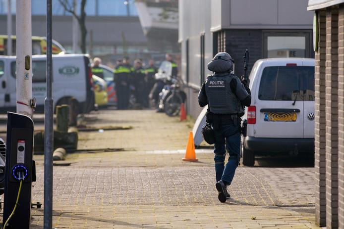 De broer van de kroongetuige Nabil B., die verklaringen heeft afgelegd tegen de zogeheten Mocro-maffia, is doodgeschoten in Amsterdam-Noord.