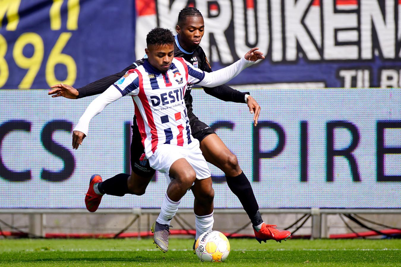 Diego Palacios in actie voor Willem II.