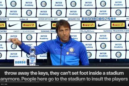 """Conte over racisme in Serie A: """"Doe dat in Engeland en je eindigt in de gevangenis en ze gooien de sleutels weg"""""""