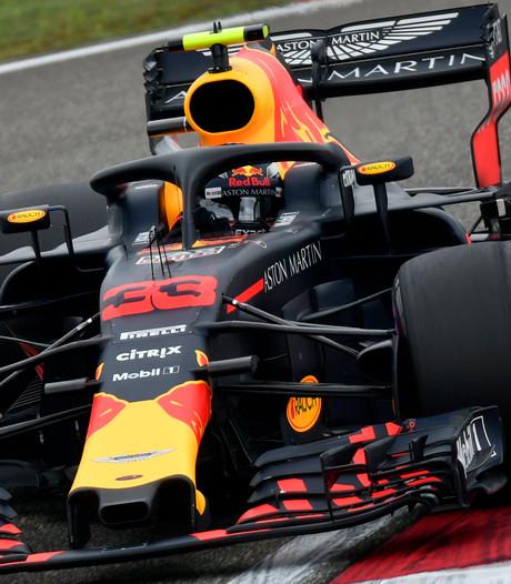 Verstappen vergooit het in China, briljante Ricciardo wint