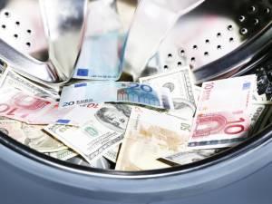 """Orthodoxe joden verdacht van witwassen van miljoenen euro's aan drugsgeld: """"de politie heeft een spelletje 'reken je rijk' gespeeld met mijn cliënt"""""""