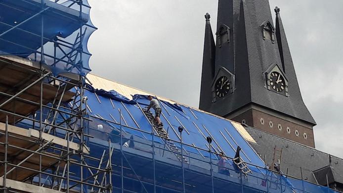 Restauratie dak Heilig Hartkerk in Breda