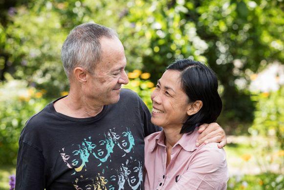 """Latt: """"Iedereen in België is heel lief voor mij. Zeker Robs familie, en ook zijn omgeving. Toch mis ik soms de Thaise warmte en spontaniteit."""""""
