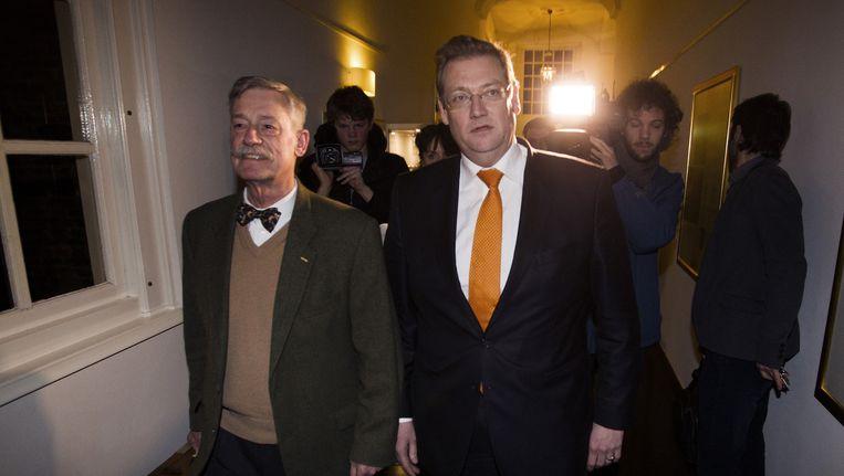 Minister Ard van der Steur en patholoog-anatoom George Maat Beeld anp