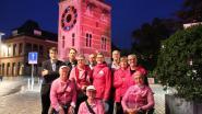 Zimmertoren en stadhuis kleuren roze in kader van Borstkankermaand