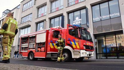 Rookontwikkeling in kantoorgebouw op Schouwburgplein: 50-tal KBC-werknemers geëvacueerd