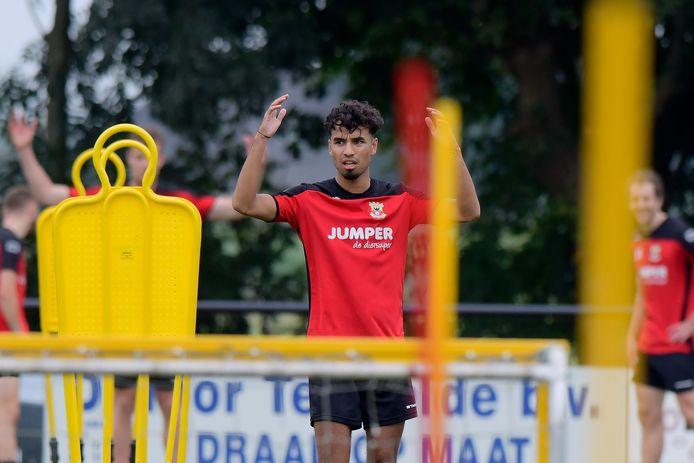 Jarni Koorman op de training bij Go Ahead Eagles, waar hij inmiddels vertrokken is.