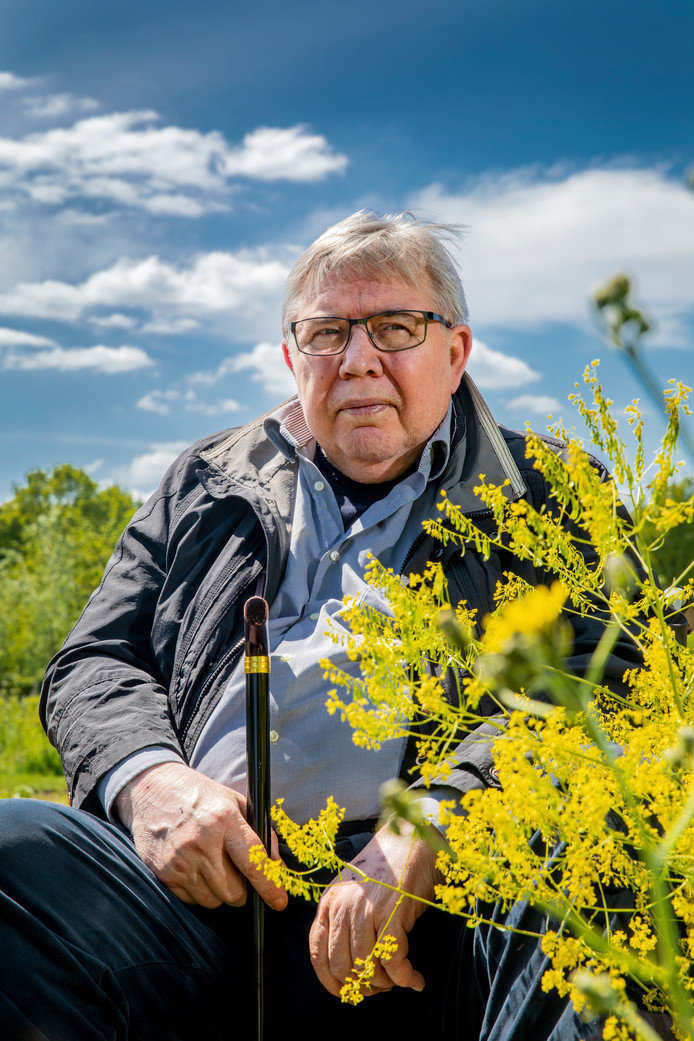 Dr. ir. Henk Tennekes publiceerde tien jaar geleden over de oorzaken van bijensterfte. Het werd hem niet in dank afgenomen.