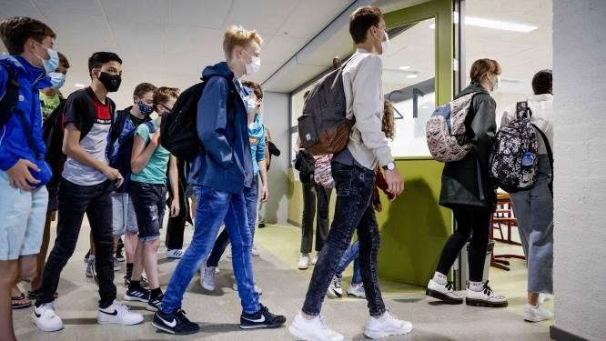 Nederlandse expertengroep wil scholen voor twee weken dicht
