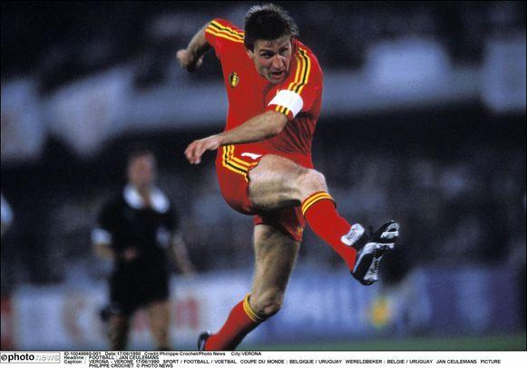 Ceulemans op de wereldbeker van 1990 tegen Uruguay.