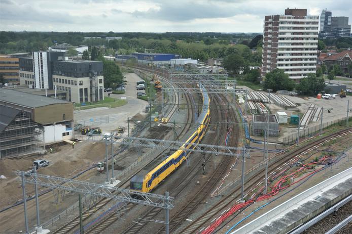 Deze bocht, aan de westkant van station Zwolle, gaat er zeventien dagen uit.