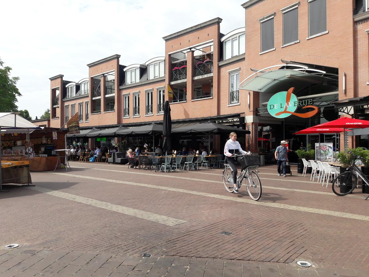 Lunchroom Smaak Lokaal werd het coververhaal van de landelijke Misset Special over lunchrooms. Het is net geheel verbouwd en vormt een gastvrije entree naar winkelcentrum De Laverije.