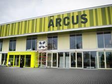 Toch geen nieuwe platen maar verf op sporthal Arcus