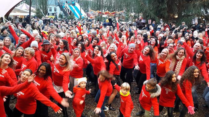 Op de Parade in Den Bosch werden zaterdagmiddag opnames gemaakt voor de All You Need Is Love Kerstspecial.