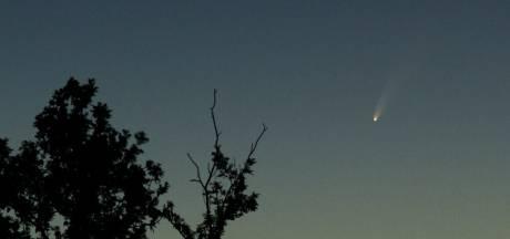 Met het blote oog komeet Neowise spotten? 'Grijp die kans, want dit zie je niet vaak'